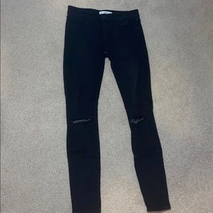Abercrombie&Fitch low rise black jeans w/ rips